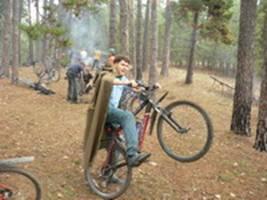 Вован дает мастер-класс в езде с плащ-палаткой