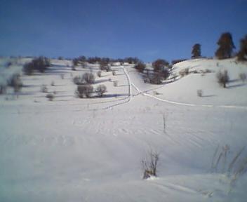 Все склоны изъезжены снегоходами